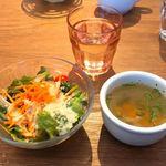 THREE SENT CHARCOAL GRILL&WINE - ランチ@スープ&サラダ