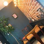 THREE SENT CHARCOAL GRILL&WINE - 店内