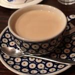 カフェ香咲 - ロイヤルミルクティー