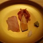 77519949 - 真鯛と赤貝