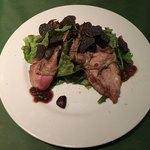 ワインレストラン ドミナス - ぺルドロ―ルージュのサラダ仕立てトリュフのせ