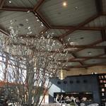 京都モダンテラス - 天井が高いです!