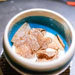 エクアトゥール - 虎河豚白子焼きと黒トリュフ