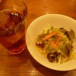 ペルコラ - サラダ&烏龍茶