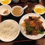 春天酒坊 - 牛肉の辛味炒め850円