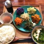 77529416 - 季節の島野菜ナムル盛り 1300円+島産玉子ごはん 300円(税込)