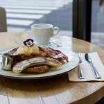 METoA Cafe & Kitchen - ランチスタイルフレンチトースト