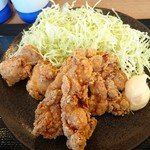 鶏彩 - 唐揚げ定食並580円キャベツ大
