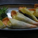 酒処皓太 - サーモンとチーズのカリカリ巻き 850円