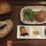 77540426 - 日替「かやく飯定食」(味噌煮込みハンバーグ)850円