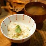 ズワイガニの土鍋炊きご飯