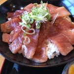 西村麺業 - ラーメン屋さんのマグロ丼(漬け)