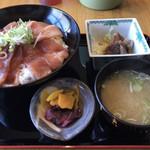 西村麺業 - マグロ丼(漬け)のセット