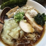 77546676 - 煮干しワンタン麺