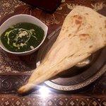 インド料理モハン - ほうれん草チキン(大盛)