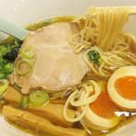 中華そば かなで - 通常は『中華そば かなで』として、中華そば・塩そば・汁なし担々麺をメインにされています。