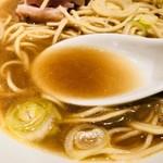 自家製麺 伊藤 - 高級煮干しを使った自慢のスープ!