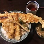 はちまき - 名物 穴子海老天丼 大盛り ¥1,500+?  やはりここにきたらこのメニューで。大盛り料金は分かりませんでした。