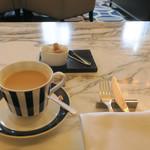 東京ステーションホテル ロビーラウンジ - カフェ・オ・レ