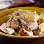 ん。 - 料理写真:地鶏の岩塩焼き