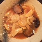 鴻運食房 - 料理写真:アワビのカキソース