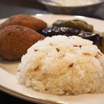 クルド家庭料理 手芸カフェ メソポタミア - ピラフ