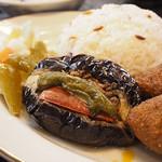 クルド家庭料理 手芸カフェ メソポタミア - ナスのひき肉詰め