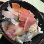 発寒かねしげ鮮魚店 - グレイト海鮮丼