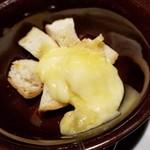 オステリア バーヴァ - ラクレットチーズ 680円