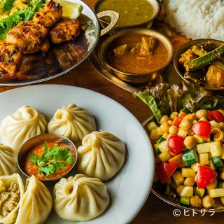 隣国の食文化を取り入れた多様性に富むネパール料理