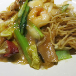 広東炒麺 南国酒家 - 周りが赤いチャーシュー、好きなんです