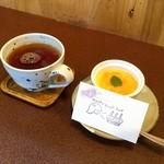 ジャム cafe 可鈴 - 食後のホットティーと、オーナーさんからのサプライズデザート♡