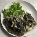 石垣市公設市場 - もずくの天ぷら