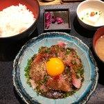 九州 熱中屋 - 胡麻ブリ定食 780円。
