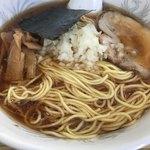 中華そば たまや - 料理写真: