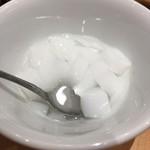 餃子の王様 龍吟 - デザートの杏仁豆腐