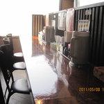 らぁ麺屋 大明神 - 内観写真:左カウンター席