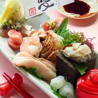 無農薬野菜や天然の魚、こだわり塩など食材へのこだわり