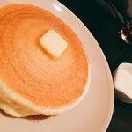 77584255 - 練乳で食べるパンケーキ(820円)
