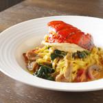セストセンソ - オマール海老のアメリケーヌソース ポルチーニ茸とほうれん草