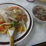 たつみ食堂 - 中華丼 ¥550