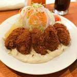レストラン・サカキ - 岩手県広田湾産カキフライ