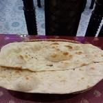 パキスタン・アラビアン・インド料理 デラ - ナン