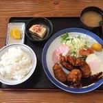 よろづや - カキフライ定食 ¥950