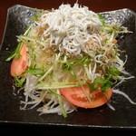 お酒と料理の心 - 3)釜揚げしらすと大根の和サラダ