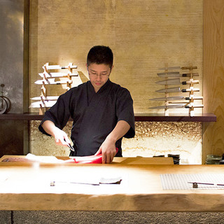素材の味を大切にした日本料理の魅力を伝える。