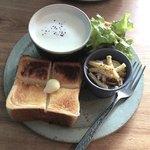 77595188 - トーストとスープ 850円(税込)