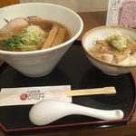 麺や 阿吽 - 鶏醤油麺&チャーシュー丼