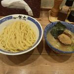兼虎 - 濃厚つけ麺(中盛)