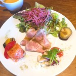 トラットリア グーフォ - 前菜(タコのマリネ、サーモンのカルパッチョ、低温調理した豚肩ロース肉)
